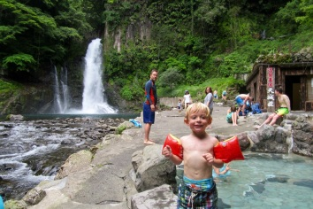 5.1466133549.loving-the-hot-springs-pools-at-oh-daru