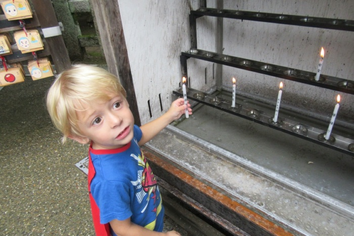 5.1475107200.lighting-a-candle-to-keep-will-safe-and-sound