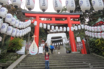 5.1482364800.enoshima-shrine-main-gate