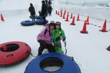 5.1486800702.tubing-with-mommy-at-tsudome